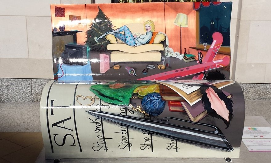 panchine-letterarie-decorate-libri-famosi-londra-2014-08