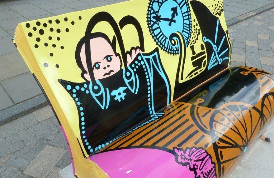 panchine-letterarie-decorate-libri-famosi-londra-2014-11