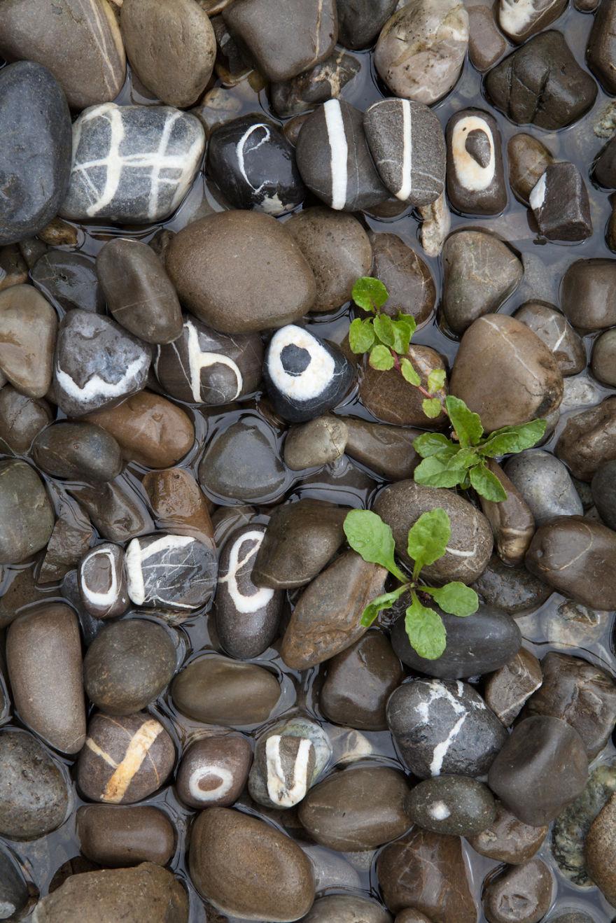 pietre-alfabeto-andre-quirinus-zurbriggen-2