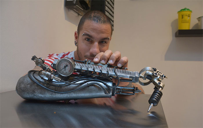 protesi-braccio-artista-tatuaggi-jc-sheitan-tenet-jl-gonzal-2