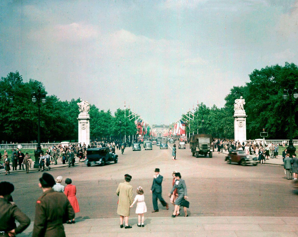 rare-foto-dufaycolor-londra-seconda-guerra-mondiale-13