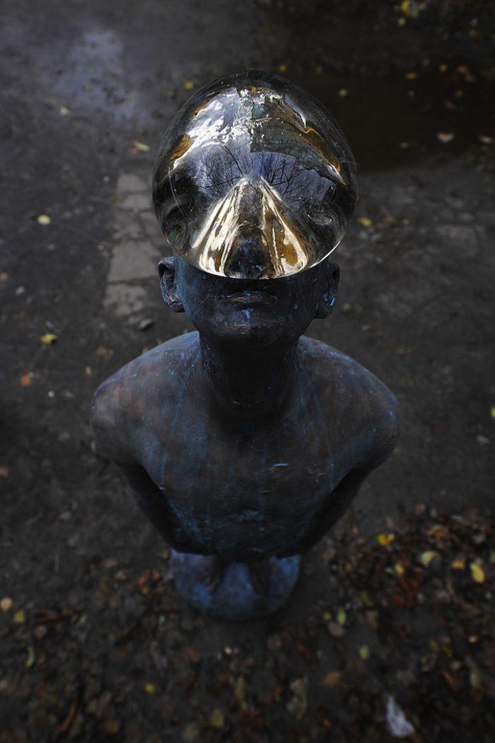 scultura-bronzo-vetro-goccia-pioggia-uomo-rain-bilyk-nazar-06