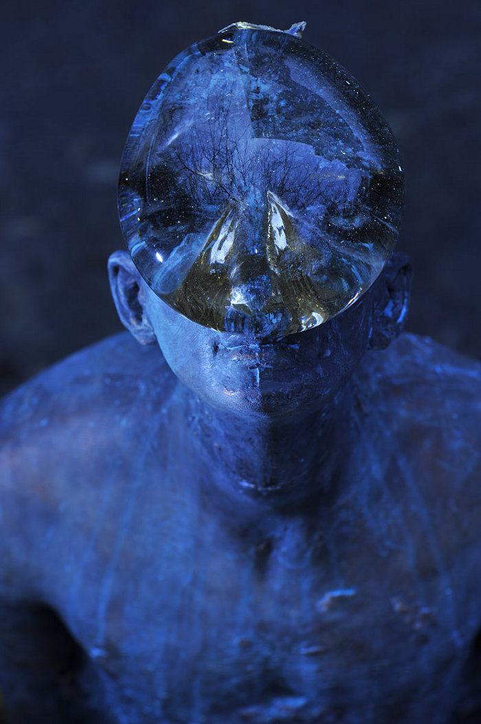 scultura-bronzo-vetro-goccia-pioggia-uomo-rain-bilyk-nazar-10