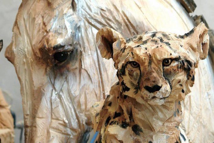 sculture-animali-legno-motosega-jurgen-lingl-rebetez-03