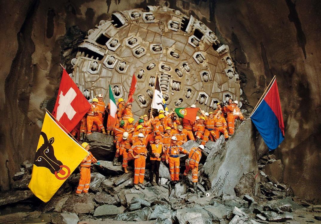 tunnel-galleria-ferroviaria-base-san-gottardo-foto-2