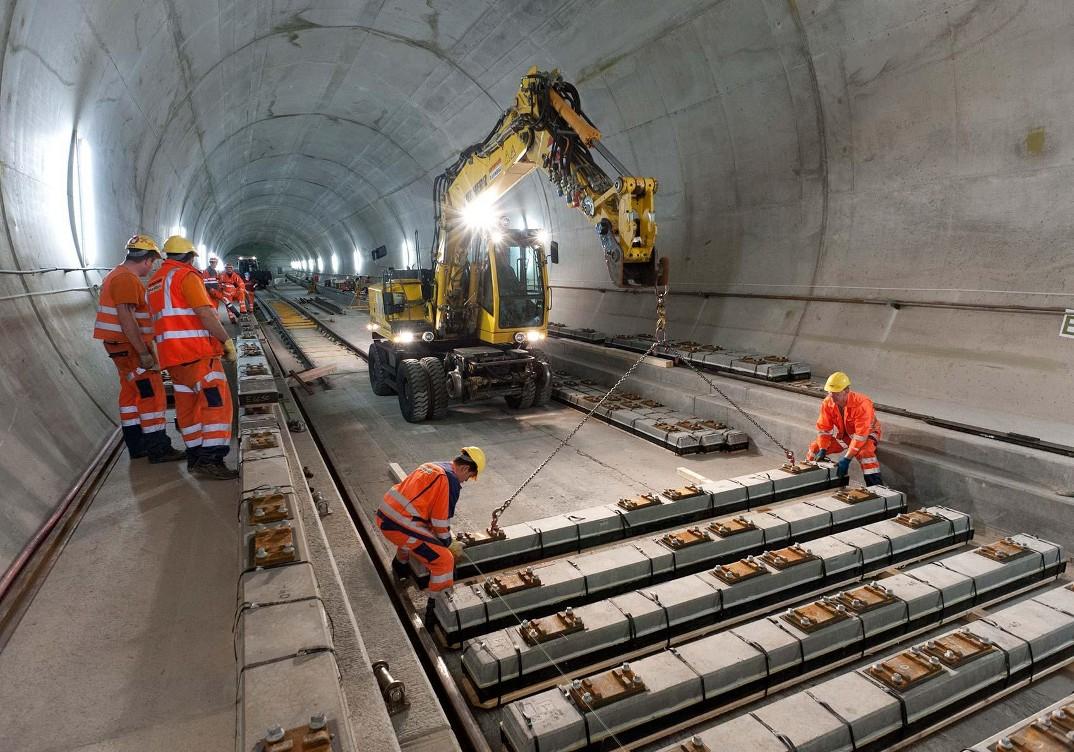 tunnel-galleria-ferroviaria-base-san-gottardo-foto-6