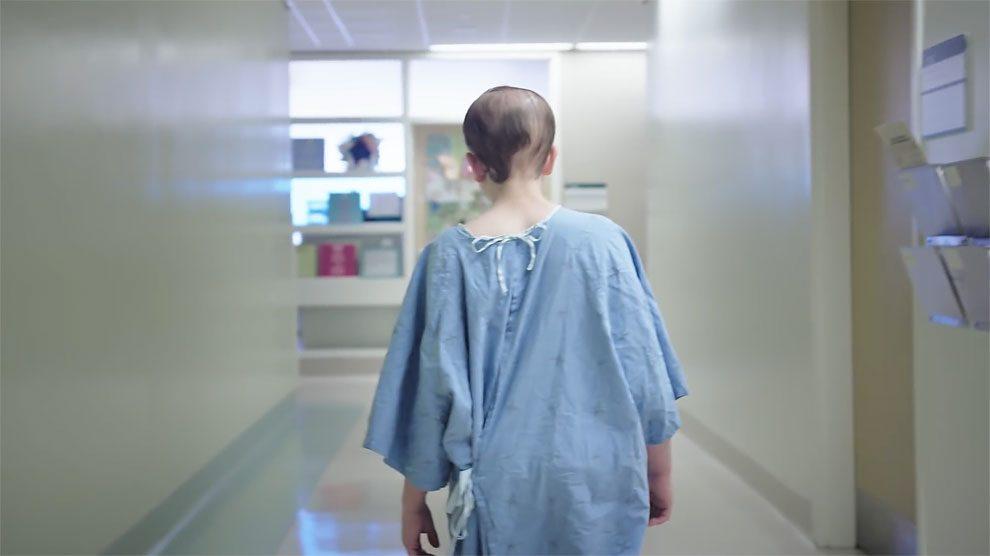 abiti-personalizzati-adolescenti-malati-ospedale-ontario-ward+robes-01
