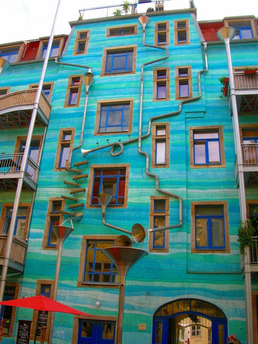 casa-suona-quando-piove-dresda-courtyard-of-elements-2