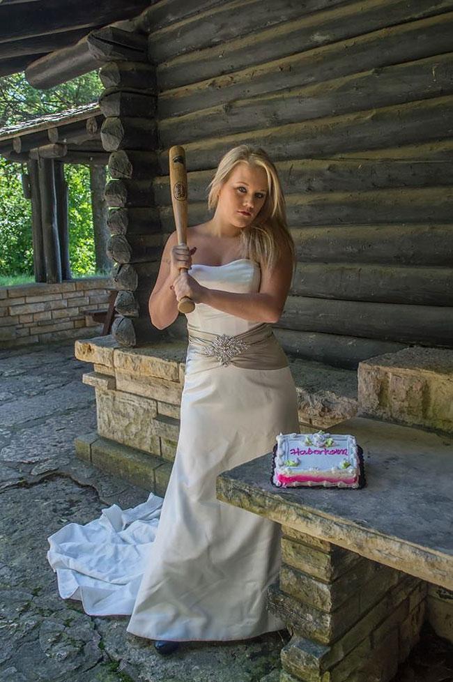donna-posa-servizio-fotografico-divorzio-meisenburg-angela-josephine-16