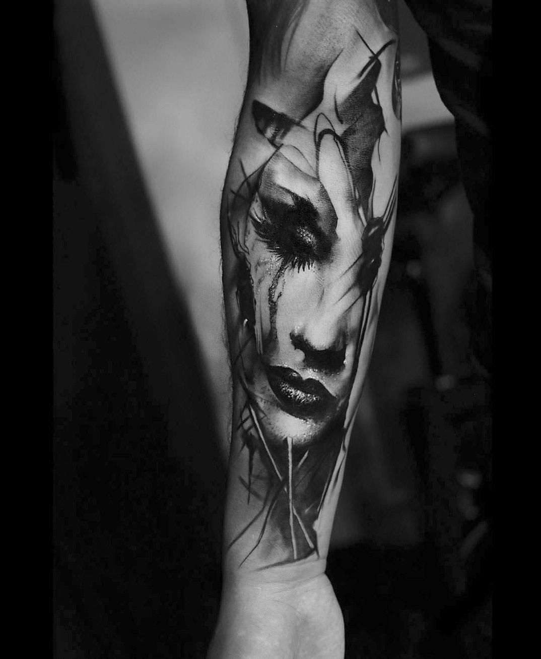 drammatici-ritratti-misteriosi-tatuaggi-monocromatici-kurt-staudinger-07