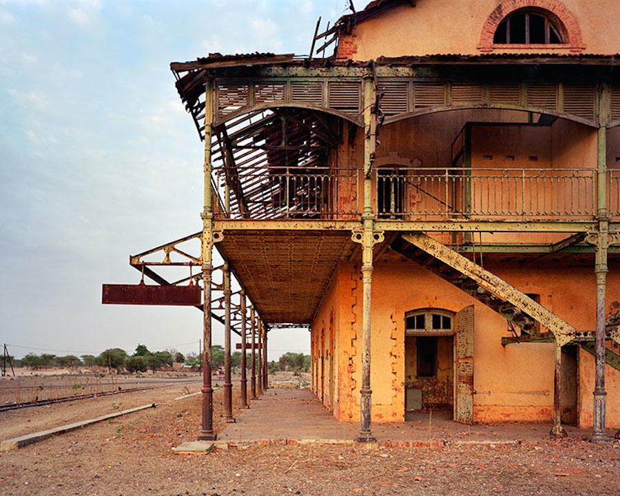 edifici-luoghi-abbandonati-colonie-francesi-mondo-09