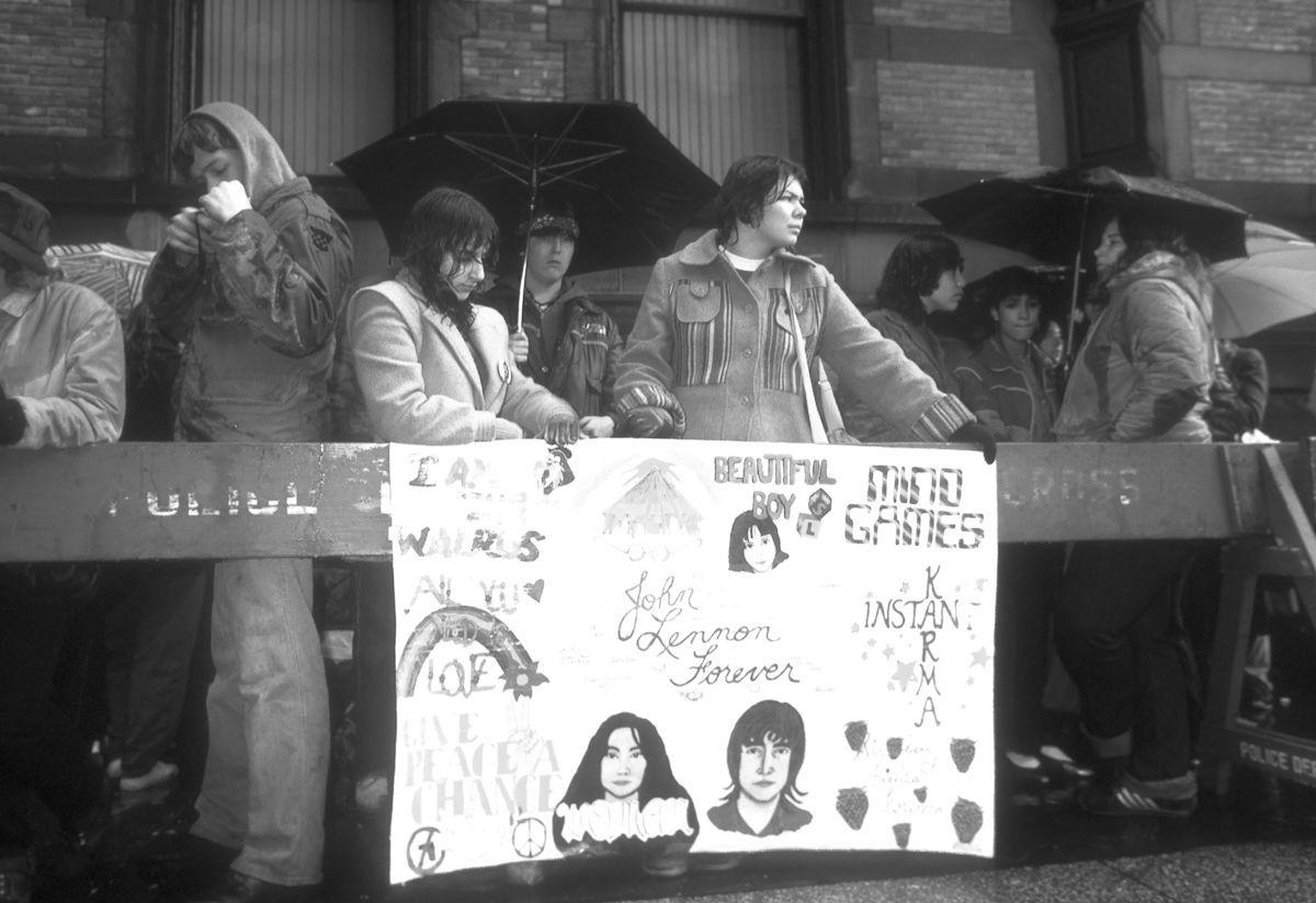 foto-8-dicembre-1980-morte-john-lennon-01