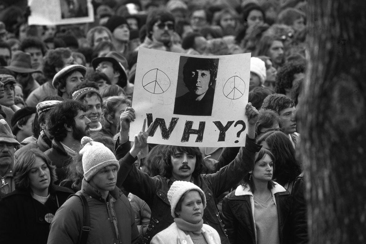 foto-8-dicembre-1980-morte-john-lennon-03