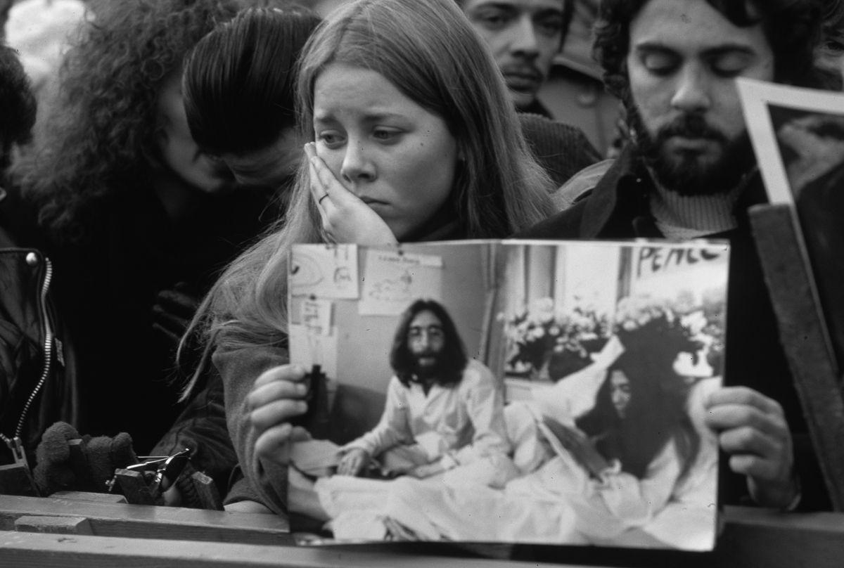 foto-8-dicembre-1980-morte-john-lennon-04