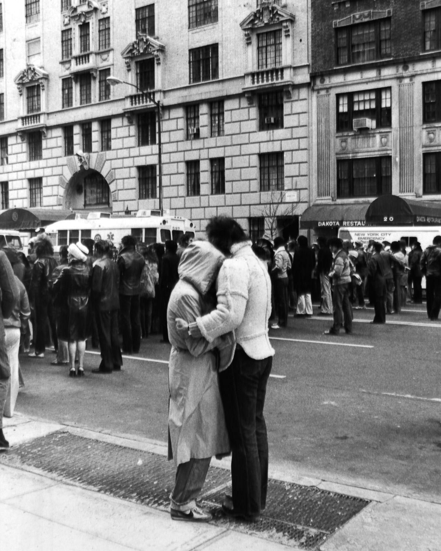 foto-8-dicembre-1980-morte-john-lennon-12