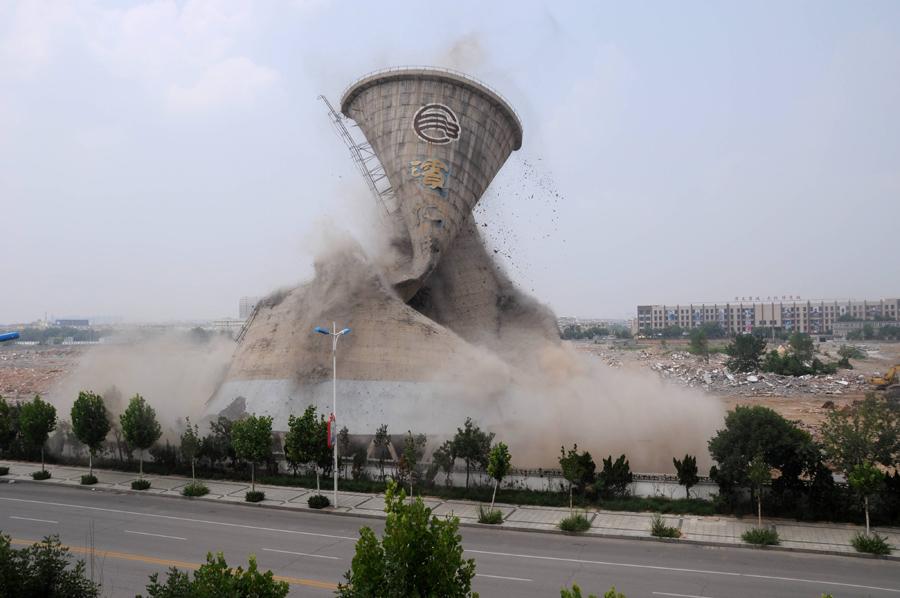 foto-demolizione-crollo-palazzi-edifici-ponti-costruzioni-esplosioni-01