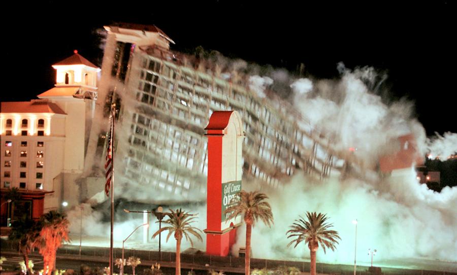 foto-demolizione-crollo-palazzi-edifici-ponti-costruzioni-esplosioni-04