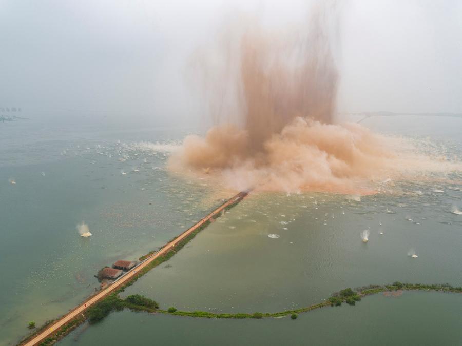 foto-demolizione-crollo-palazzi-edifici-ponti-costruzioni-esplosioni-12