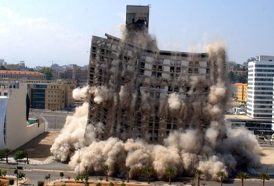 foto-demolizione-crollo-palazzi-edifici-ponti-costruzioni-esplosioni-13
