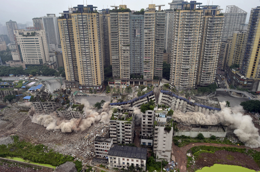 foto-demolizione-crollo-palazzi-edifici-ponti-costruzioni-esplosioni-14
