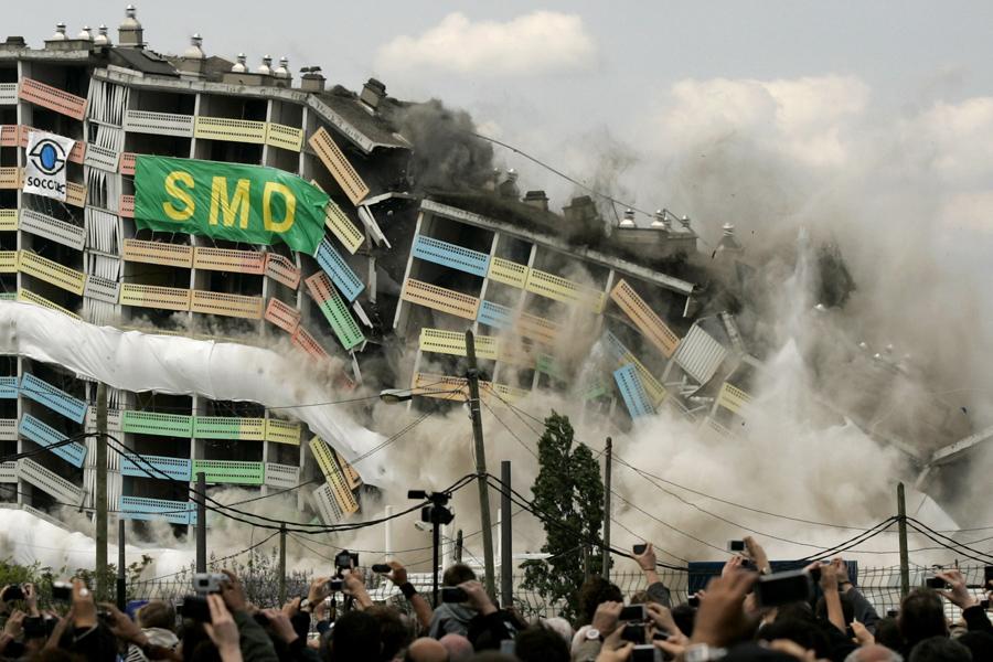 foto-demolizione-crollo-palazzi-edifici-ponti-costruzioni-esplosioni-17