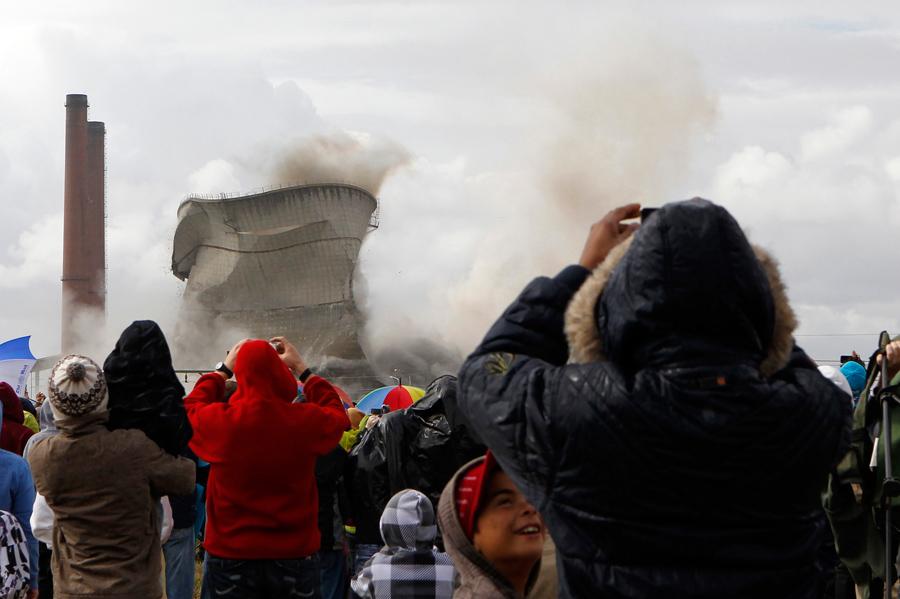 foto-demolizione-crollo-palazzi-edifici-ponti-costruzioni-esplosioni-20