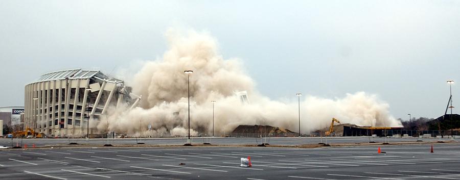 foto-demolizione-crollo-palazzi-edifici-ponti-costruzioni-esplosioni-24