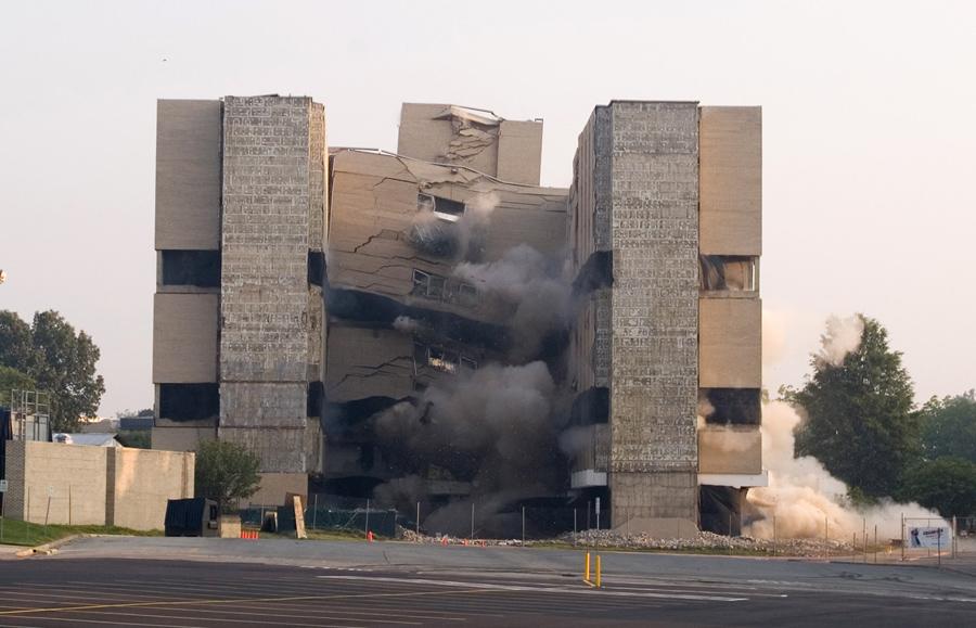 foto-demolizione-crollo-palazzi-edifici-ponti-costruzioni-esplosioni-25