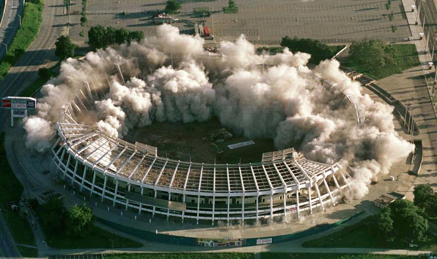 foto-demolizione-crollo-palazzi-edifici-ponti-costruzioni-esplosioni-27