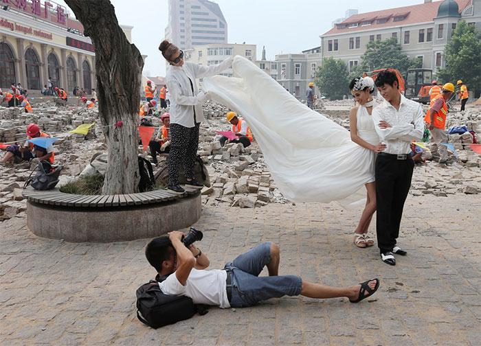 fotografi-matrimoni-pazzi-divertenti-dietro-le-quinte-17