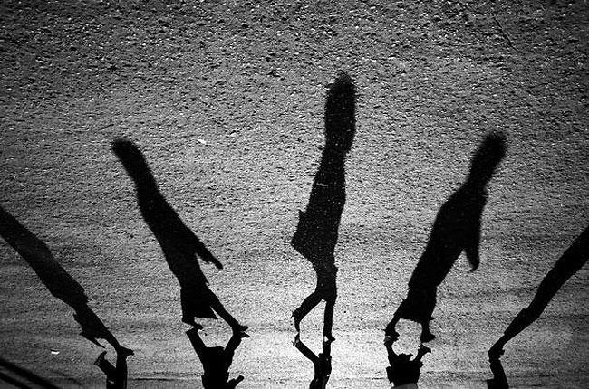 fotografie-bianco-nero-surreali-alexey-menschikov-10