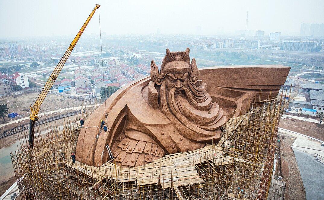 gigantesca-statua-dio-guerra-guan-yu-scultura-cina-1
