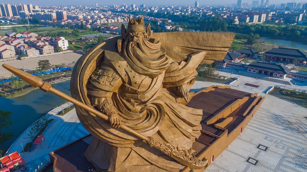 gigantesca-statua-dio-guerra-guan-yu-scultura-cina-2