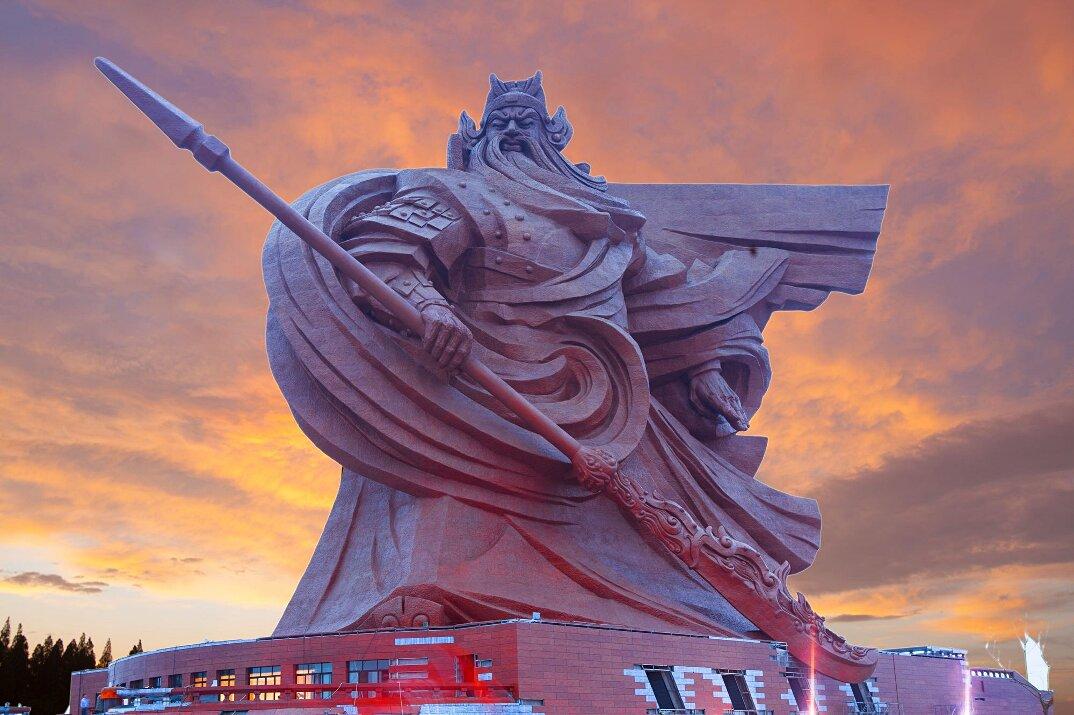 gigantesca-statua-dio-guerra-guan-yu-scultura-cina-5