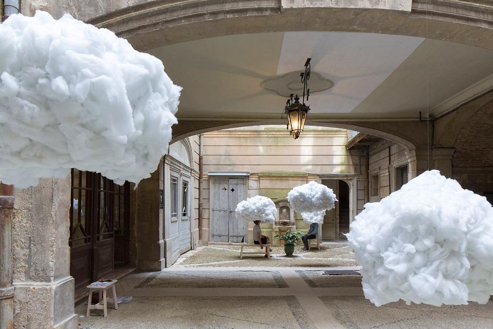 installazione-nuvole-sospese-festival-architetture-vives-2016-montpellier-1