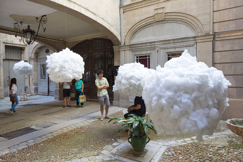 installazione-nuvole-sospese-festival-architetture-vives-2016-montpellier-3