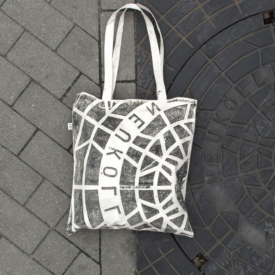 maglie-borse-stampate-grate-tombini-urbani-raubdruckerin-08
