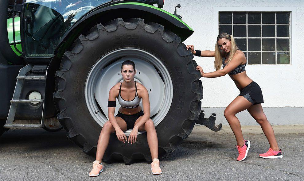 mogli-agricoltori-posano-sexy-calendario-fattoria-01