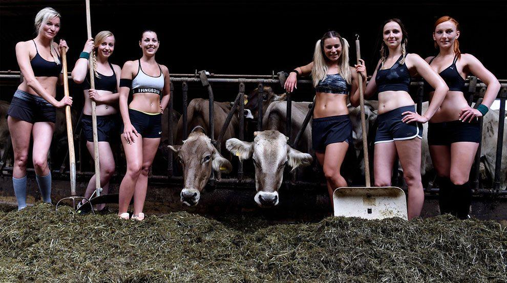 mogli-agricoltori-posano-sexy-calendario-fattoria-10