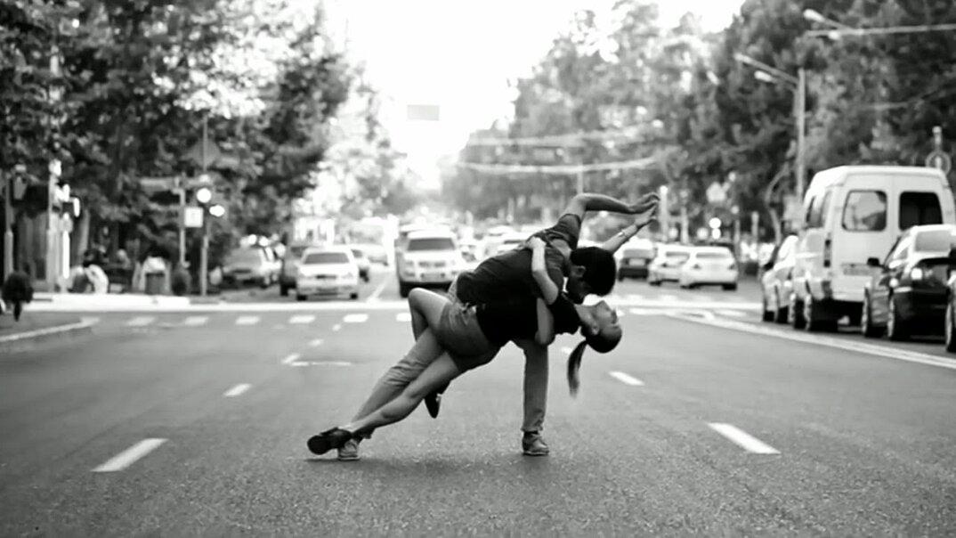 moving-cities-foto-video-ballerini-citta-mondo-jevan-chowdhury-16