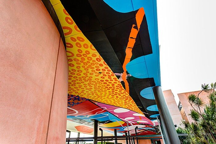 murales-soffitto-curtin-university-perth-australia-Hense-14-keb
