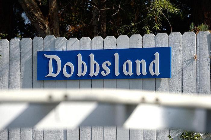 nonno-ingegnere-costruisce-parco-divertimenti-cortile-dobbsland-steve-dobbs-4