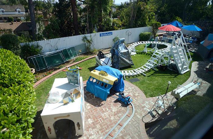 nonno-ingegnere-costruisce-parco-divertimenti-cortile-dobbsland-steve-dobbs-5