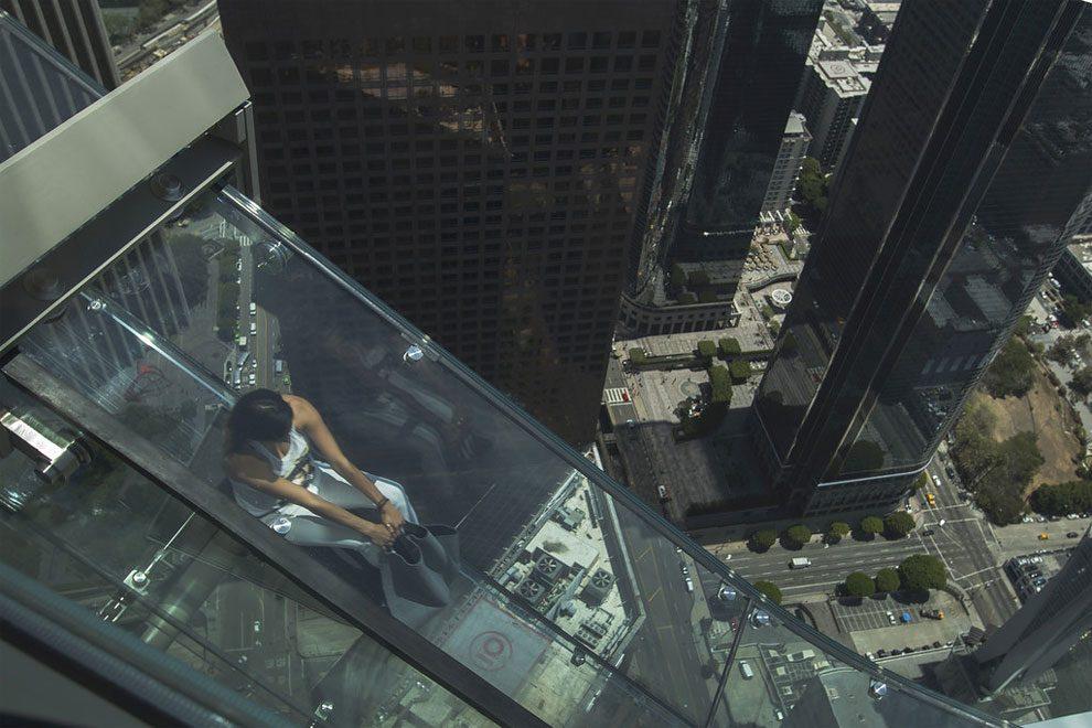 scivolo-vetro-skyslide-bank-tower-los-angeles-3