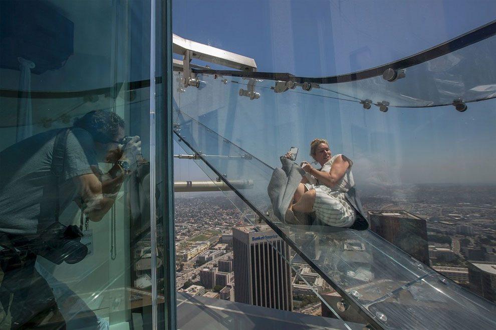 scivolo-vetro-skyslide-bank-tower-los-angeles-4