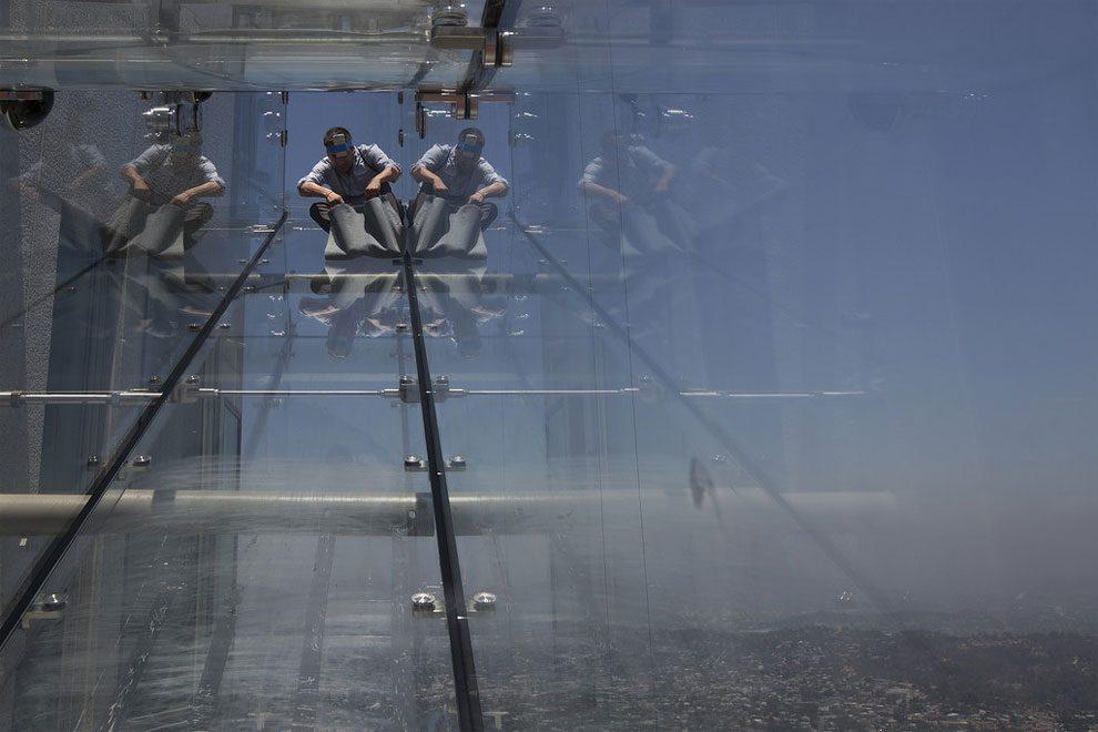 scivolo-vetro-skyslide-bank-tower-los-angeles-5