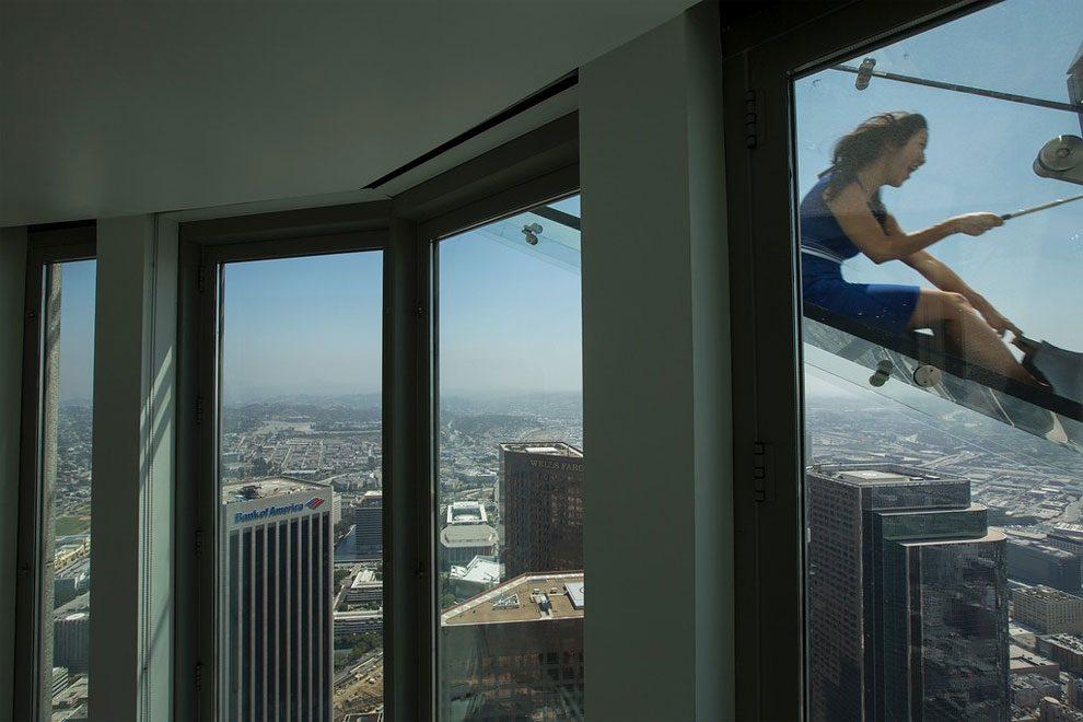 scivolo-vetro-skyslide-bank-tower-los-angeles-7