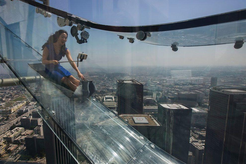 scivolo-vetro-skyslide-bank-tower-los-angeles-9