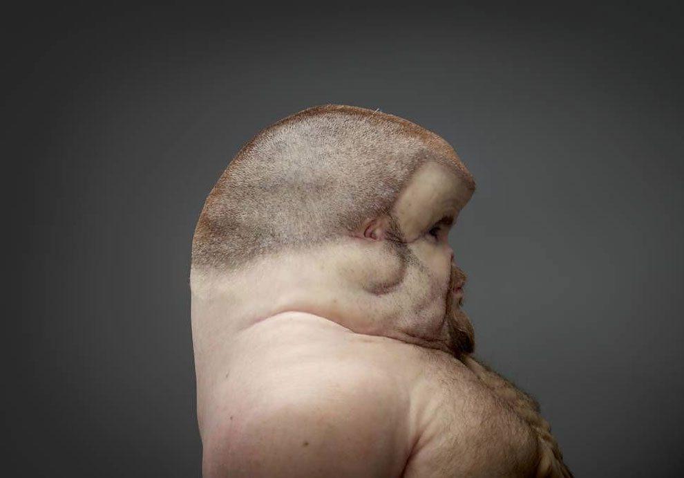 scultura-uomo-mutante-resiste-incidenti-stradali-graham-patricia-piccinini-2