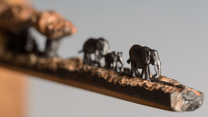 sculture-matite-incise-grafite-elefanti-cindy-chinn-02